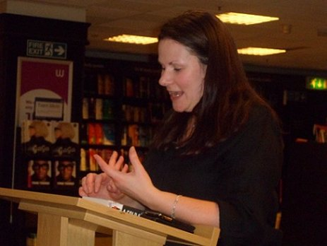 Alison Littlewood, reading at Waterstone's, Leeds