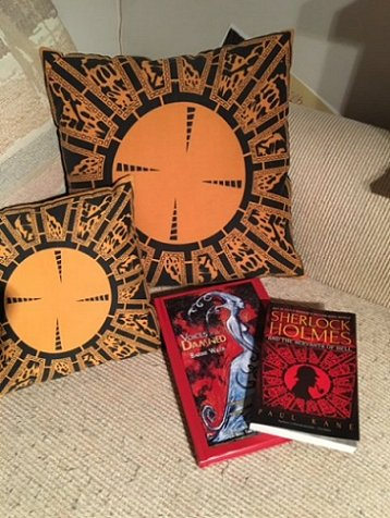 Sherlock Holmes and the Servants of Hell, Lament configuration cushions